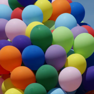 balony z helem imprazy dla dzieci atrakcja iki studio 1 300x300