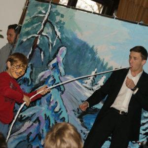 magik iluzjonista imprezy dla dzieci dodatkowe atrakcje iki studio 300x300