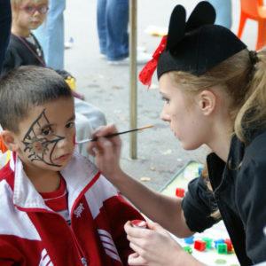 malowanie buzi imprezy dla dzieci atrakcje iki studio 300x300