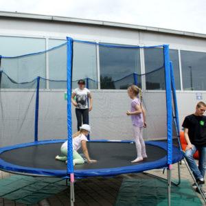 trampoliny wypozyczalnia sprzetu 300x300