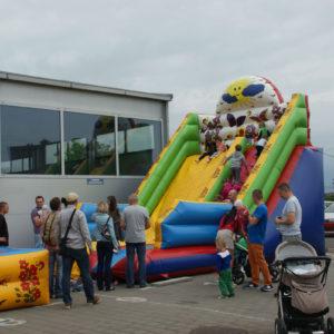 dzien dziecka w firmie imprezy dla firm atrakcja iki studio 1 300x300