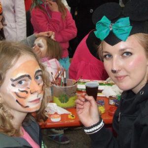 malowanie buzi imprezy dla dzieci atrakcja iki studio  300x300